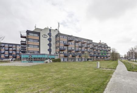 Zandsteen 28, Hoorn