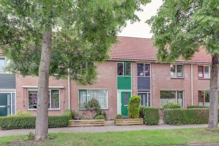 Nachtegaal 18, Hoorn